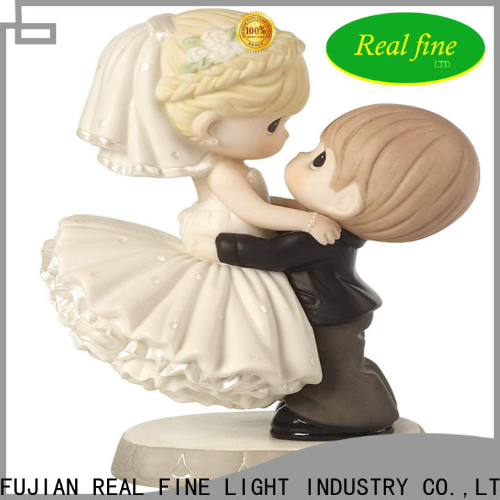 Real Fine simple Home decor figurine promotion for office