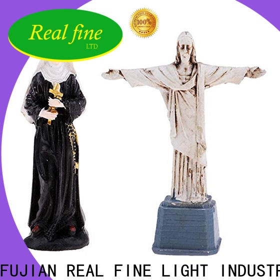 Real Fine cheap figurines for decoration for gifts
