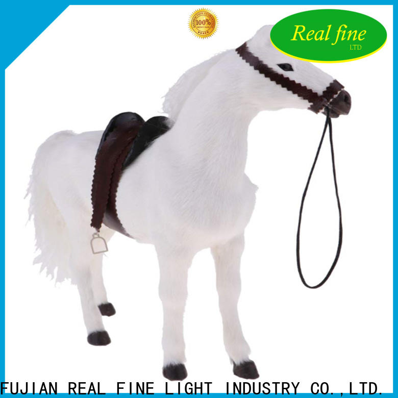 Real Fine design Home decor figurine supplier for office