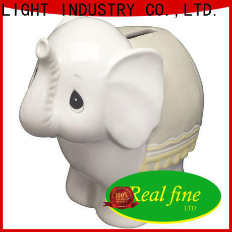 Real Fine figurine supplier for office