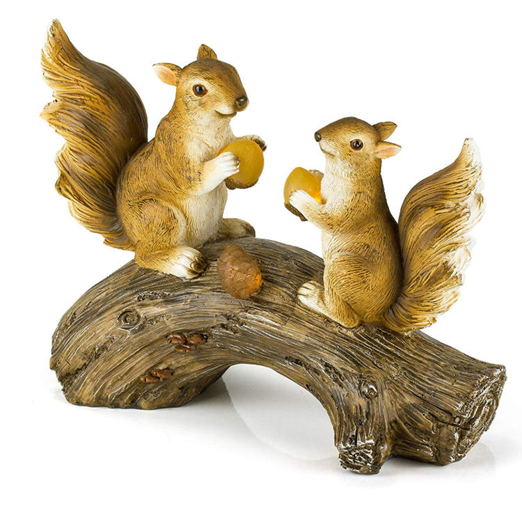 Decorative polyresin figurine statue squirrel  garden log squirrel