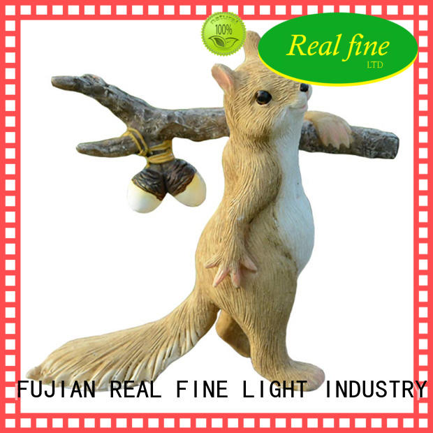 Real Fine exquisite polyresin figurines supply for park