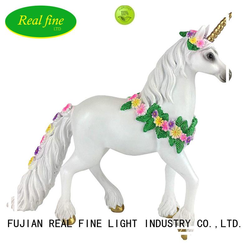 Real Fine design Home decor figurine supplier for office